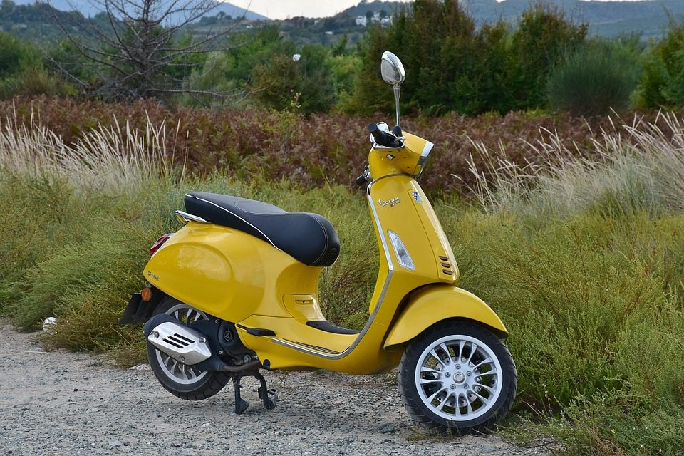 http://files.newsletter2go.com/lbp9n0eb/s_iqyxn8bn/files/vespa-2746303_960_720.jpg